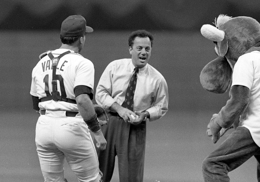 1h_billy-joel-1990-mariners-first-pitch-valle-and-m-moose